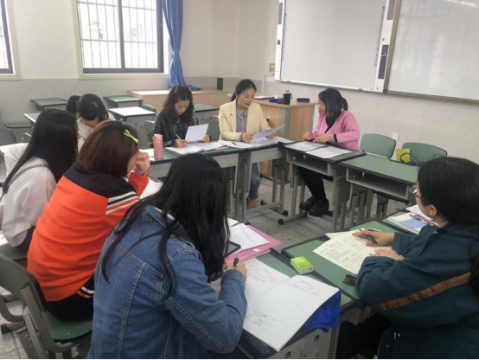 Enjoy eading and growing freely -discussion activities of Che Shuang small Project Research Society